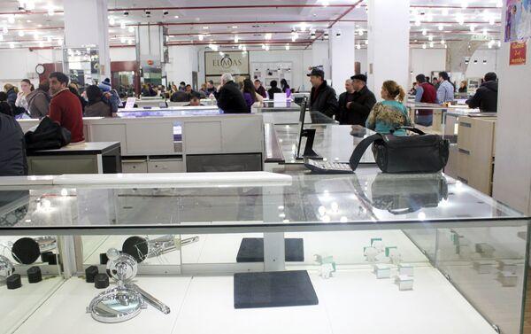 После повышения цен на ювелирные изделия резко упали объемы продаж - Sputnik Азербайджан