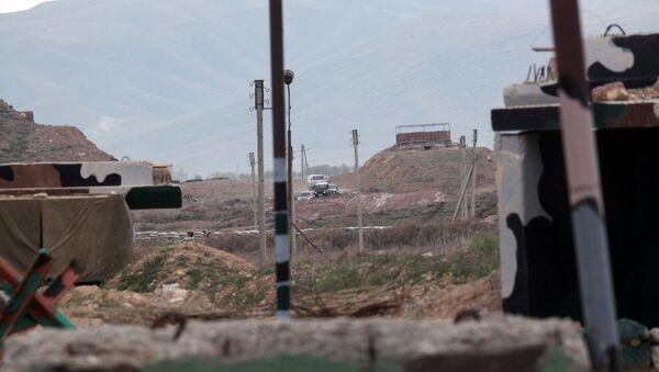 Населенный пункт на линии соприкосновения азербайджанских и армянских войск. Архивное фото - Sputnik Азербайджан