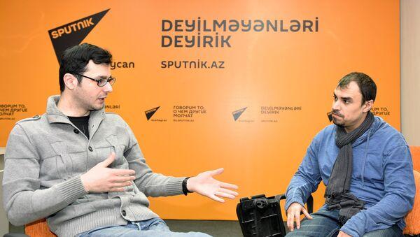 Актеры Олег Амирбеков (слева) и Теймур Рагимов - Sputnik Азербайджан