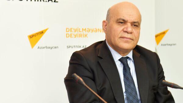 Иса Алиев в пресс-центре агентства Sputnik - Sputnik Азербайджан