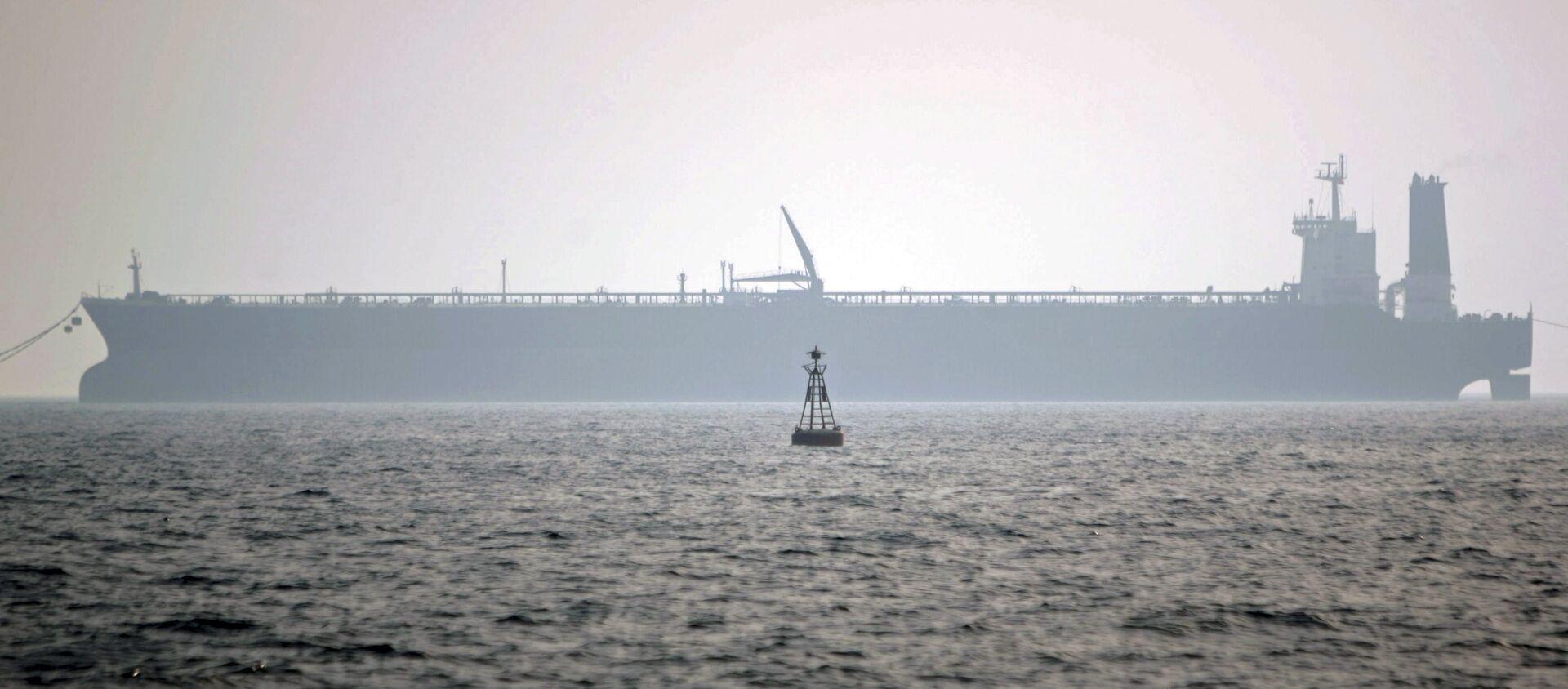 Нефтяной танкер в Персидском заливе - Sputnik Азербайджан, 1920, 28.04.2021