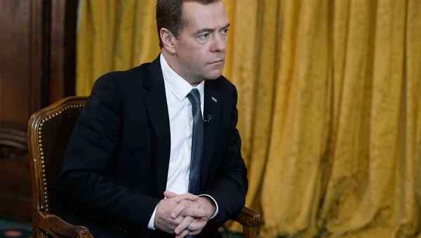 Интервью премьер-министра Рф Д. Медведва телеканалу Euronews - Sputnik Азербайджан