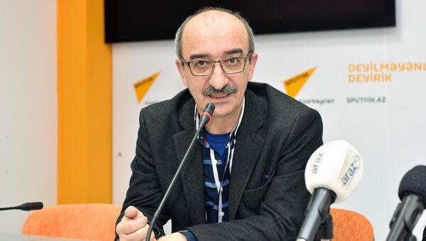Азад Исазаде, психолог - Sputnik Азербайджан