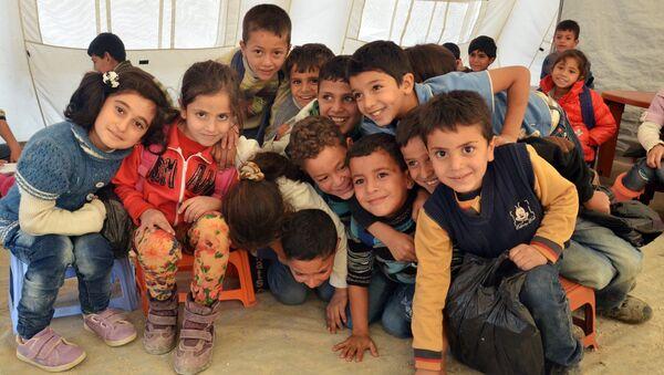 Уровень жизни сирийских беженцев ухудшается с каждым днем - Sputnik Азербайджан