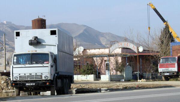 Автомобили КАМАЗ на одной из абшеронских дорог, архивное фото - Sputnik Азербайджан