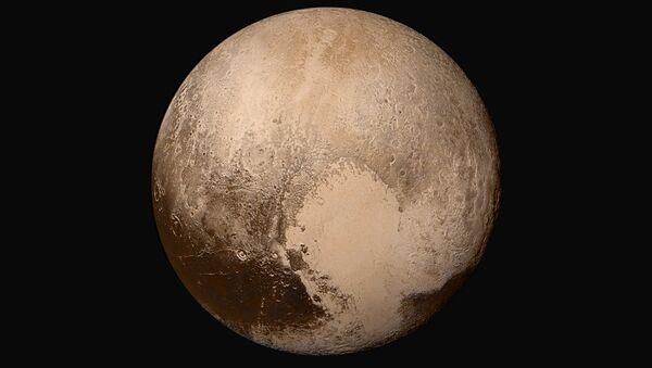 Снимок Плутона, сделанный космическим кораблем NASA New Horizons - Sputnik Азербайджан