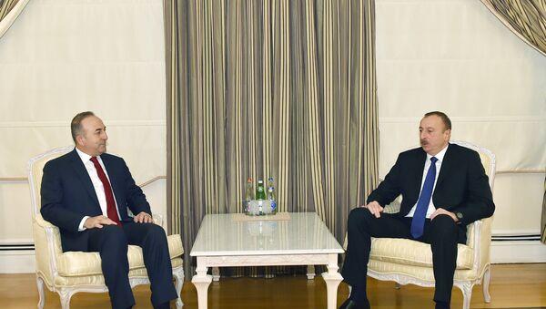 Президент Ильхам Алиев принял министра иностранных дел Турции Мевлюта Чавушоглу - Sputnik Азербайджан