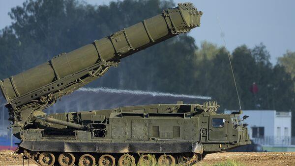 Российская система ПВО С-300ВМ - Sputnik Азербайджан