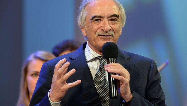 Чрезвычайный и Полномочный посол Азербайджанской Республики в РФ, композитор Полад Бюльбюль-оглы - Sputnik Азербайджан