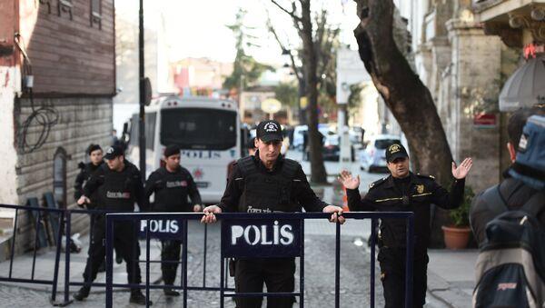 Полиция в Турции. Архивное фото - Sputnik Азербайджан