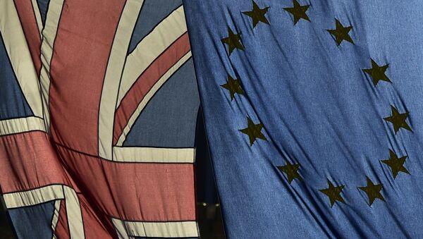 Флаги Великобритании и Европейского Союза - Sputnik Азербайджан