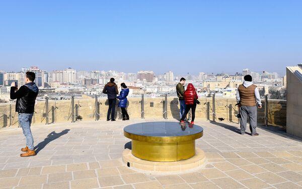 Панорама Баку с высоты птичьего полета, а сам Старый город – как на ладони - Sputnik Азербайджан