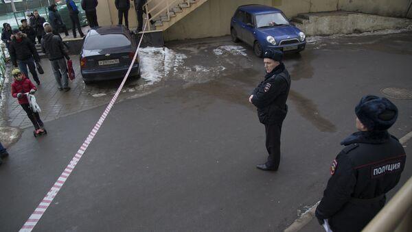 Московская полиция у метро Октябрьское поле - Sputnik Азербайджан