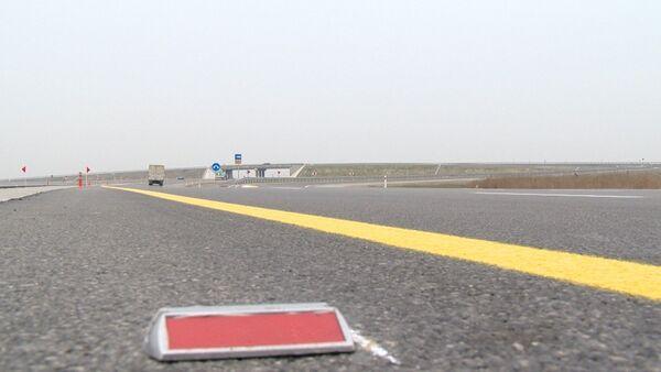 Отремонтированная дорога, Архивное фото - Sputnik Азербайджан