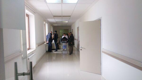 Yaralı Seyid Qurbanov Lənkəran Rayon Mərkəzi Xəstəxanasına çatdırılıb - Sputnik Azərbaycan
