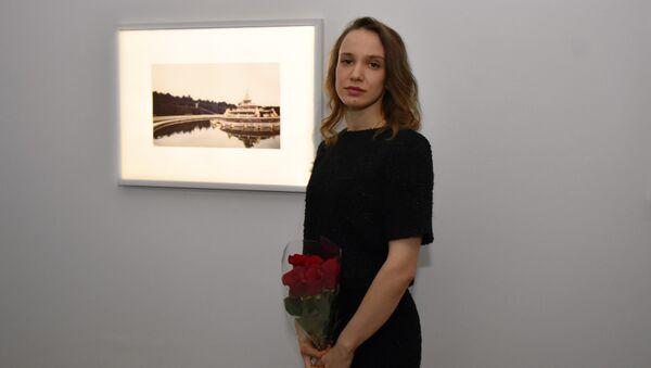 Открытие персональной выставки современной художницы, фотографа Полины Канис - Sputnik Азербайджан