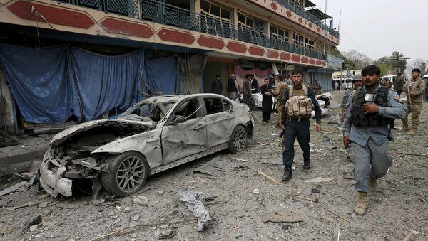 Место взрыва у индийского консульства в городе Джалалабад - Sputnik Азербайджан