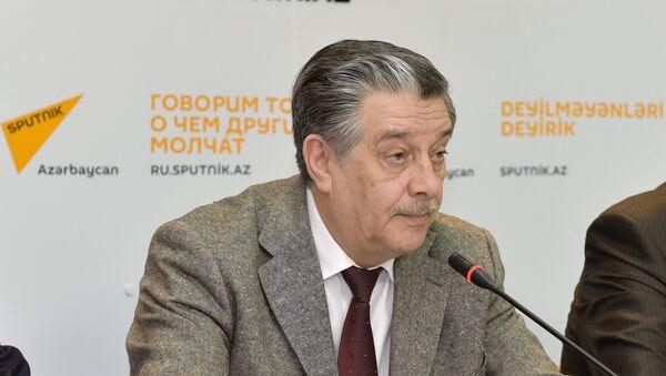 Михаил Забелин, председатель Русской общины Азербайджана, депутат Милли меджлиса (парламента) Азербайджана - Sputnik Азербайджан