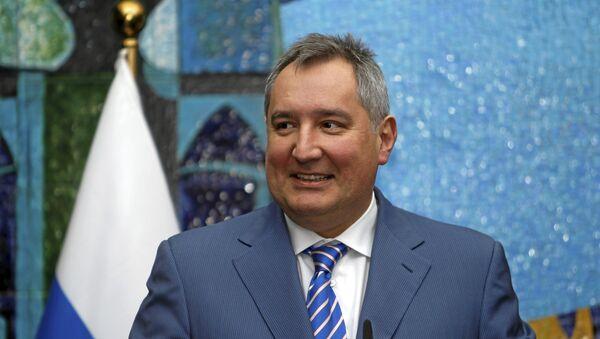Дмитрий Рогозин, заместитель премьер-министра Российской Федерации, председатель межправительственной комиссии Россия-Азербайджан - Sputnik Азербайджан