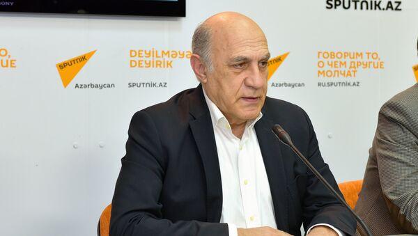Фикрет Садыхов, политолог, член Союза журналистов Азербайджана - Sputnik Азербайджан