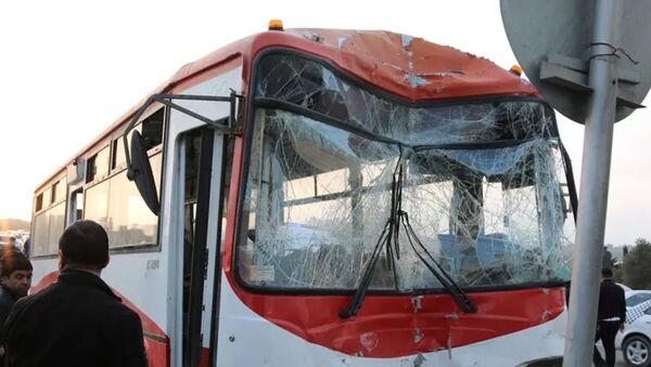 В Сураханском районе Баку произошло серьезное дорожно-транспортное происшествие - Sputnik Азербайджан
