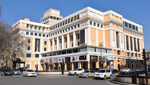 Здание центра кино Низами в Баку - Sputnik Azərbaycan