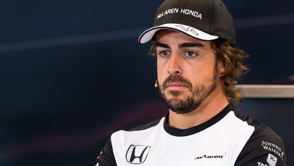 Фернандо Алонсо, испанский автогонщик McLaren Honda - Sputnik Азербайджан