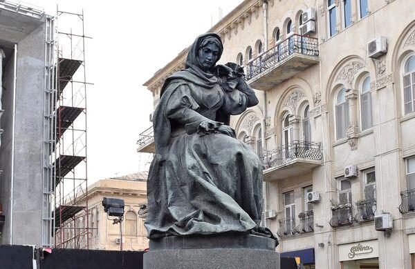 Хуршидбану Натаван известна своей литературной и просветительской деятельностью. - Sputnik Азербайджан