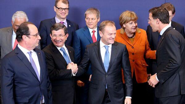 Премьер Турции и лидеры стран ЕС - Sputnik Азербайджан