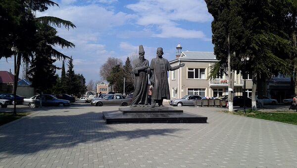 Памятник Молла Панах Вагифу и Молла Вели Видади - Sputnik Азербайджан