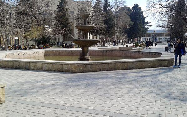 Parkdakı fəvvarə - Sputnik Azərbaycan