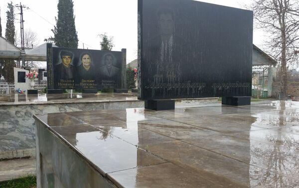 Захоронения на кладбище Гянджи - Sputnik Азербайджан