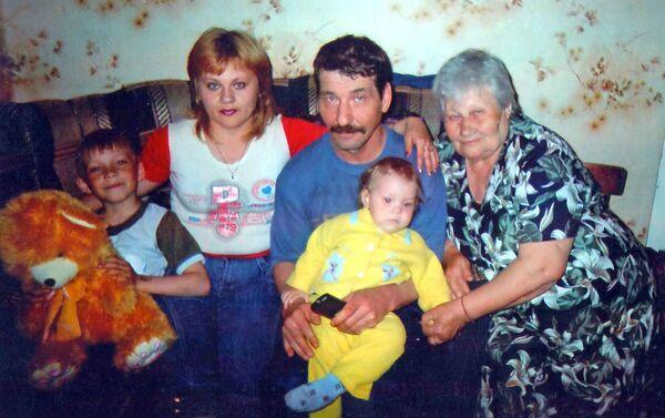 Двое из шестерых детей бабушки Зины живут в Имишли, остальные – в разных городах России - Sputnik Азербайджан