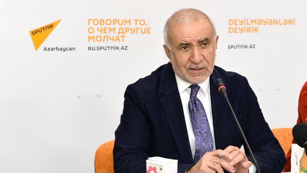 Eyyub Hüseynov, Azad İstehlakçılar Birliyinin sədri - Sputnik Азербайджан