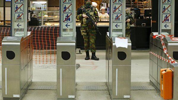 Военные в метро Брюсселя. Архивное фото - Sputnik Азербайджан