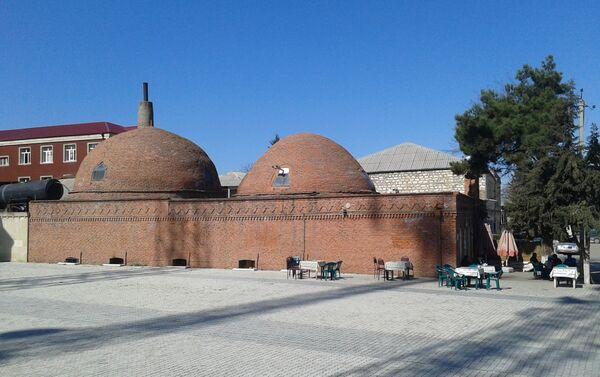 Своеобразный стиль бани отличается от остальных построений такого типа в других регионах Азербайджана - Sputnik Азербайджан