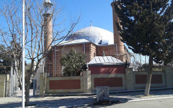 Многие источники связывают строительство Газахской Джума мечети с именем Исрафила аги - Sputnik Азербайджан