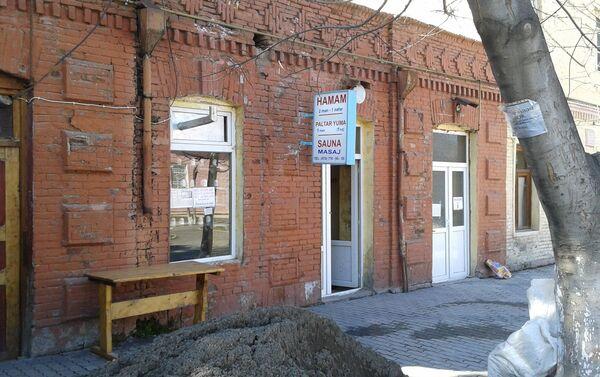 Помимо бани, в этом здании открыли и прачечную - Sputnik Азербайджан