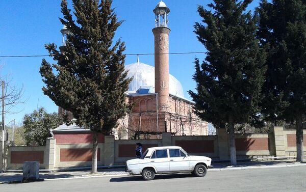 В начале XX века Гаджи Зейнал Магомедали оглу Джафареви начал строительство Джума (Пятничной) мечети - Sputnik Азербайджан