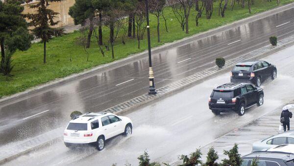 Дождь в Баку - Sputnik Azərbaycan