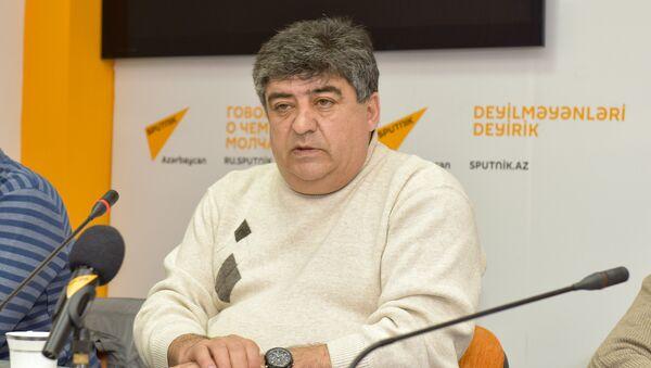 Фазиль Мамедов, руководитель неправительственной организации Помощь образованию водителей - Sputnik Азербайджан