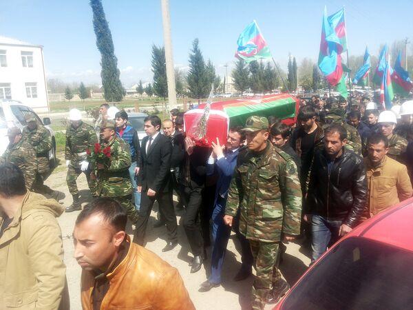 Багиров Сархан был похоронен в родном селе Алимамедли Гейгельского района - Sputnik Азербайджан