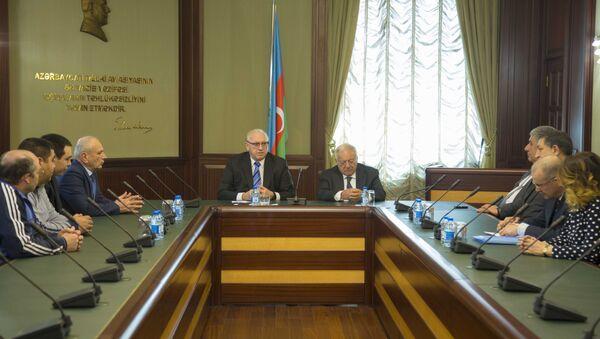 Визит в Баку президента Международной федерации тяжелой атлетики Томаша Аяна - Sputnik Азербайджан
