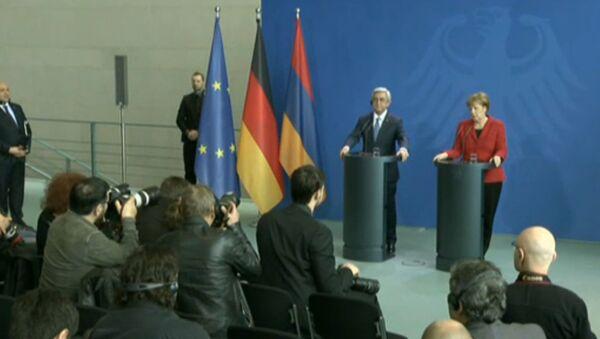 LIVE: Встреча канцлера ФРГ Ангелы Меркель и президента Армении Сержа Саргсяна - Sputnik Azərbaycan