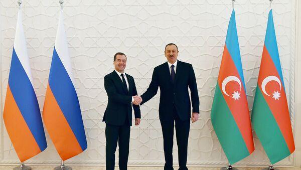 Встреча Президента Азербайджана Ильхама Алиева с председателем Правительства России Дмитрием Медведевым - Sputnik Азербайджан