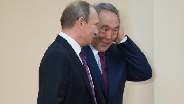 Президент России Владимир Путин и президент Казахстана Нурсултан Назарбаев. Архивное фото - Sputnik Азербайджан
