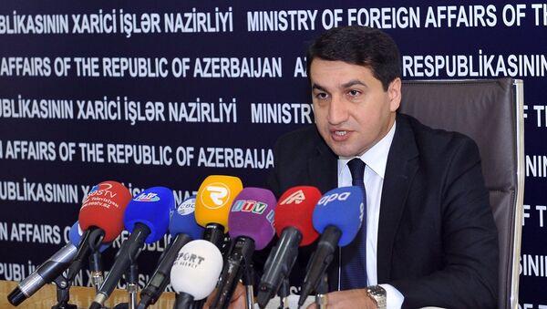 Хикмет Гаджиев, глава пресс-службы Министерства иностранных дел АР - Sputnik Азербайджан