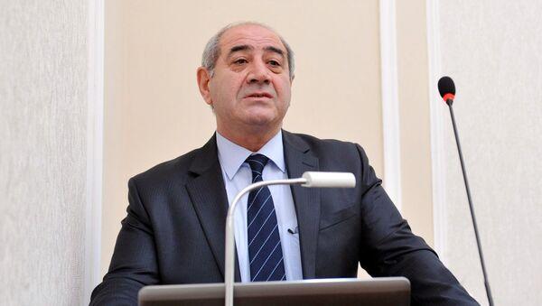 Глава Республиканского сейсмологического центра Национальной академии наук Азербайджана Гурбан Етирмишли - Sputnik Азербайджан