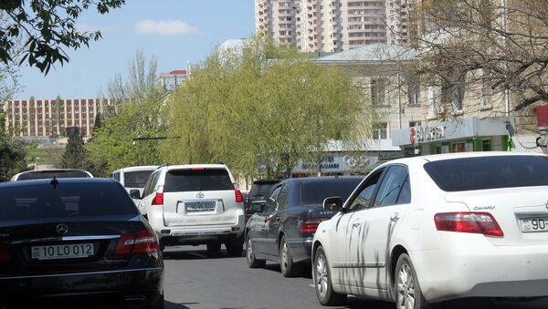Автомобильная пробка на улице Б.Вагабзаде в Баку - Sputnik Азербайджан