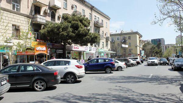Парковка на улице в Баку, архивное фото - Sputnik Азербайджан
